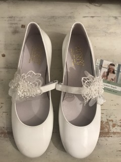 White Patent Leather Spanish Communion Shoes