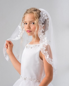 single tier lacey egde veil with pearls (matches cd11 dress)