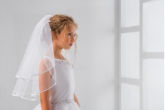 "ivory satin edge 2 tier veil - lacey bell sv-40 (24"")"